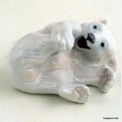 Liggende isbjørn 729