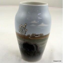 Vase med bondegård