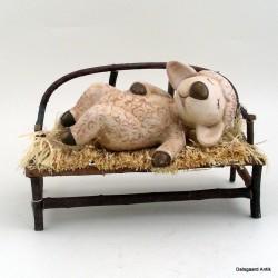 Lamb på bænk