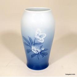 Vase 682