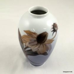 Vase med blomst
