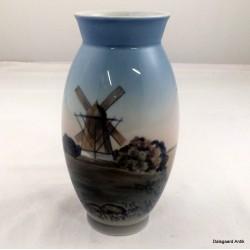 Vase med vindmølle