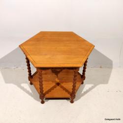 6- kantet bord