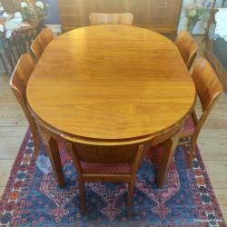 Spisebord med 6 stole