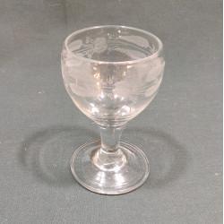 Glas med blomsterranke